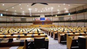 Das EU-Recht sieht grundsätzlich allgemeines kommunales Wahlrecht von Unionsbürgern in der gesamten EU vor. Allerdings bestehen Abweichungsmöglichkeiten für die Mitgliedsstaaten.
